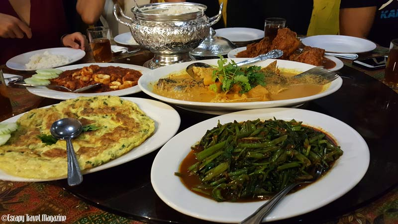 Must try, recommended Nyonya restaurants, Restaurant Nyonya Suan , nyonya food melaka, where to eat in malacca, where to eat in melaka, places to eat in melaka, must eat in melaka, must eat in malacca, places in melaka, recommended in melaka, recommended in malacca, Escapy Travel, Escapy Travel Magazine, Escapy Magazine, travel magazine, travel Escapy, escapy, Asean Publisher, Asean Publisher magazine,