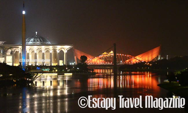 hoho bus, hop on hop off putrajaya, tours in putrajaya, putrajaya tours, hoho putarjaya, cheap day tours putrajaya, what to do in putrajaya