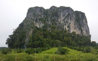 caves in Kuantan, places to visit in Kuantan, what to do in Kuantan, Things to do in Kuantan, places in Pahang, Charas Cave, fun in Kuantan, where to go in Kuantan, must visit places in Kuantan, recommended places in Kuantan, things to see in Kuantan, what to do in Malaysia, places to visit in Malaysia, caves in Malaysia, Charas, cave, caves, Gua Charas, Gua Charas Sungai Lembing, Gua Charas Kuantan, temple caves in Kuantan, temple caves in Malaysia, temple caves in Pahang,