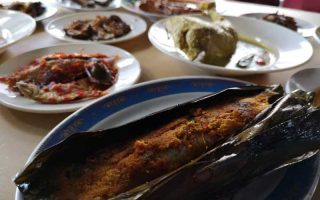 What to do in Selangor, things to do in Selangor, interesting things in Selangor, where to eat, where to eat in selangor, selangor food, recommended food in selangor, must eat in selangor, Escapy Travel, Escapy Travel magazine, travel magazine malaysia, malaysia travel magazine, Escapy magazine, travel escapy, best satay, best naan bread, best nan bread, best food in selangor, Escapy magazine, best satay, best satay in subang, best satay in subang jaya, Nur anggerik, restoran nur anggerik, restoran nur anggerik subang jaya, Best cheese naan, delicious naan, cheese naan, naan, tandoori, nasi lemak, best nasi lemak, best places to eat, selera anggerik d nanding,