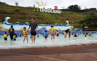 Johor, Malaysia, family, family fun, family vacation, family trip, holidays, vacation, must do in Johor, fun, legoland, wild, angry birds, hello kitty, sanrio, kids, kids holiday, laughs, legoland malaysia, wet park, theme parks