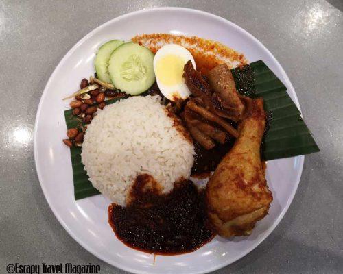 Escapy Travel, Escapy Travel Magazine, escapy travel magazine, escapy, Escapy Travel Pockezine, Pockezine, pockezine, pockezines, escapy travel pockezine, escapy pockezine, asean publisher, fun in the city, Kuala Lumpur fun in the city, what to do in kuala lumpur, things to do in kuala lumpur, where to eat in Kuala Lumpur, nasi lemak, nasi lemak places, nasi lemak in Kuala Lumpur, best nasi lemak in KL, nasi lemak Saleha, must eat in Kuala Lumpur,